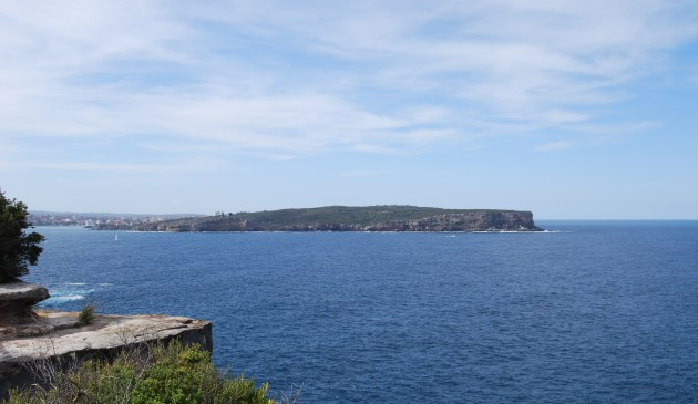 The ocean inlet to Sydney Harbour divides the Northern and Southern Sydney Beaches