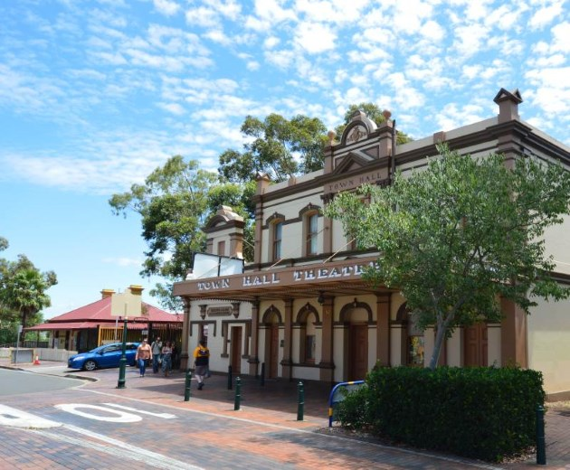 Campbelltown has kept much of its Heritage, on the left is the Information Centre where you can find more places to eat.