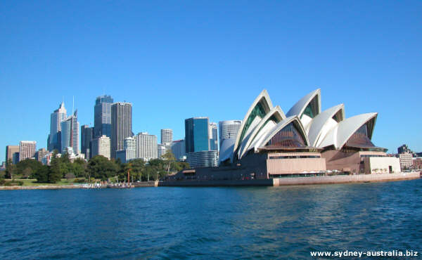 Sydney CBD with the Opera House and the Royal Botanical Gardens.