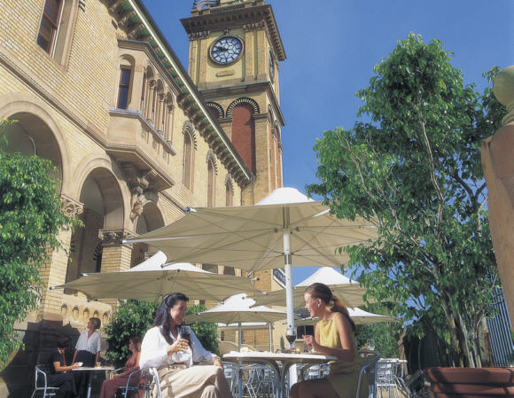 Outdoor dining at Customs House, Newcastle