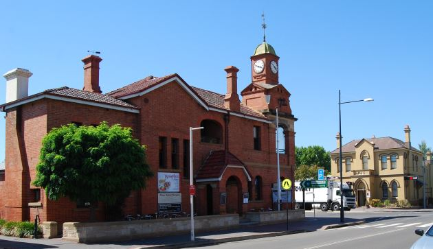 The Information Centre is located in the Old Post Office in Picton