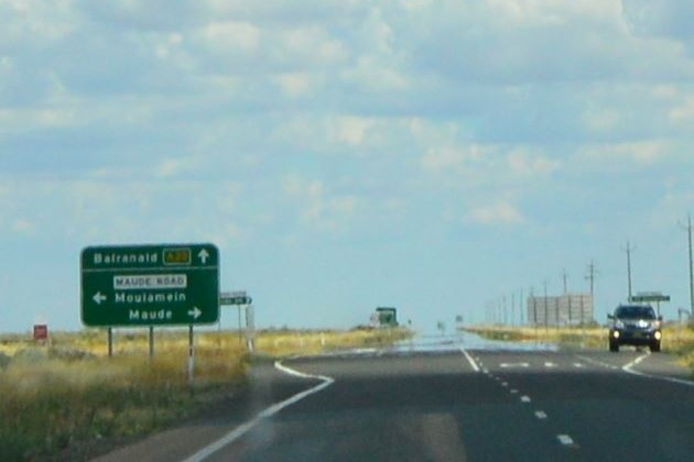 Travelling the Sturt Highway between Balranald and Hay