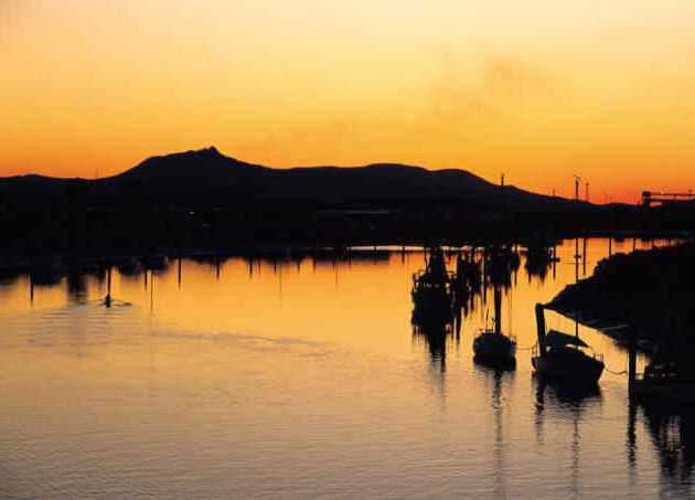 Gladstone at Sunset - Image Tourism Queensland