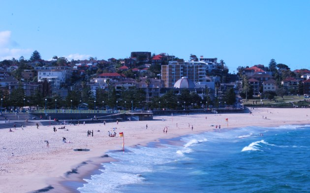 By Bus: Sydney Beach of Coogee. Note the Lifeguard Flags
