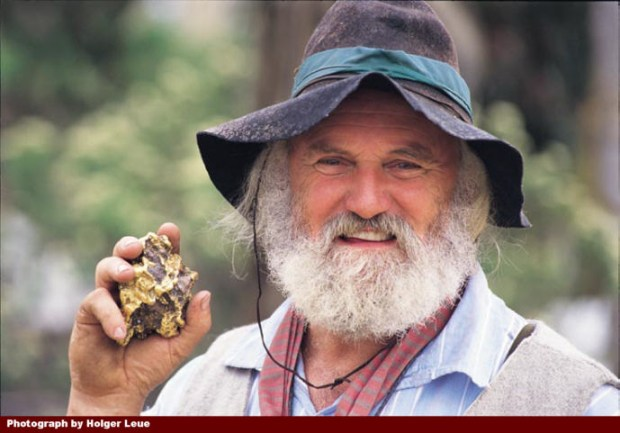 While the allure of gold has poisoned many a mind, why not try your luck at finding gold in the Goldfields