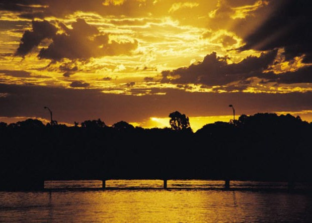 The Murray River flows along the NSW border, from the Snowy Mountains to South Australia